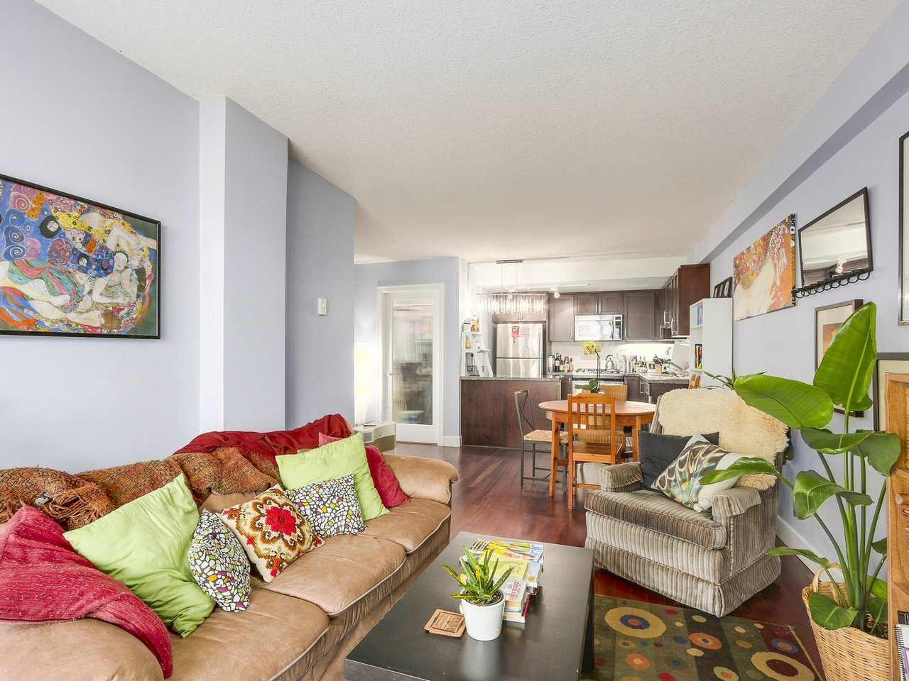 Condo Apartment at 211 3811 HASTINGS STREET, Unit 211, Burnaby North, British Columbia. Image 6