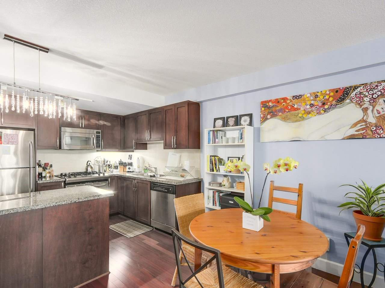 Condo Apartment at 211 3811 HASTINGS STREET, Unit 211, Burnaby North, British Columbia. Image 7