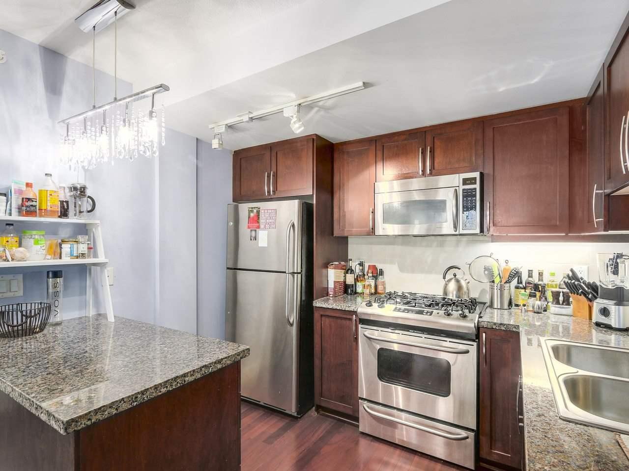 Condo Apartment at 211 3811 HASTINGS STREET, Unit 211, Burnaby North, British Columbia. Image 8