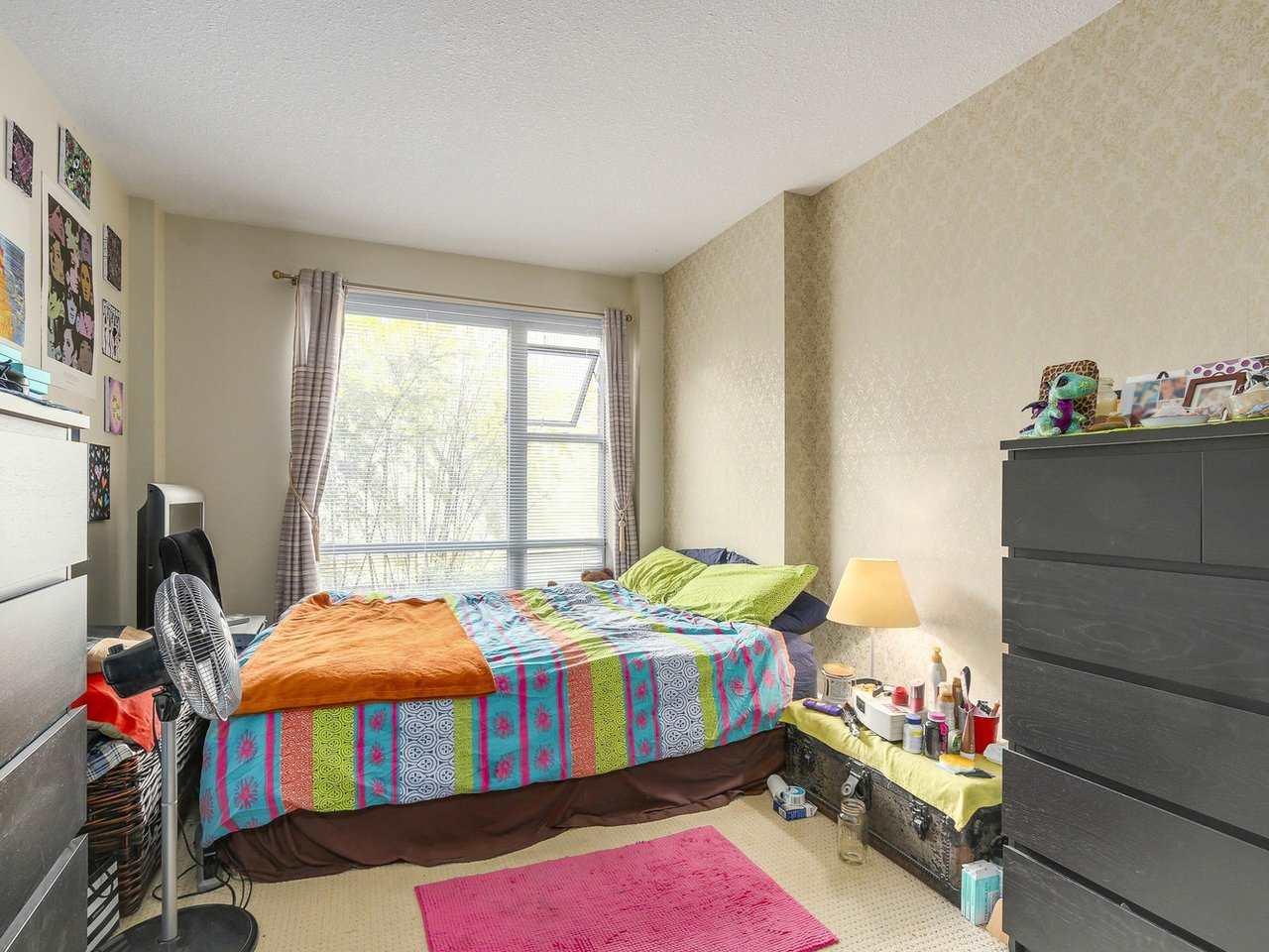 Condo Apartment at 211 3811 HASTINGS STREET, Unit 211, Burnaby North, British Columbia. Image 11