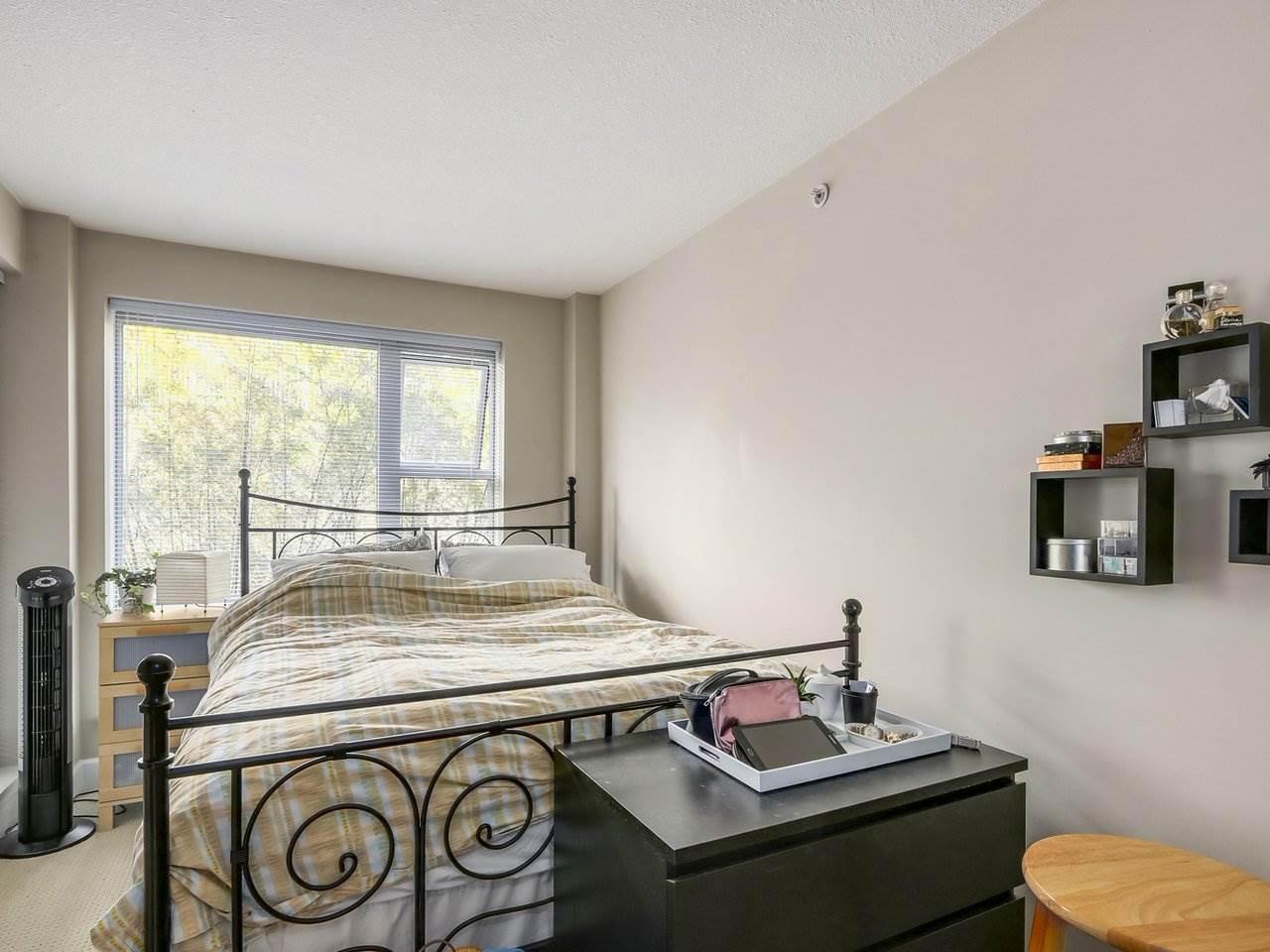 Condo Apartment at 211 3811 HASTINGS STREET, Unit 211, Burnaby North, British Columbia. Image 13