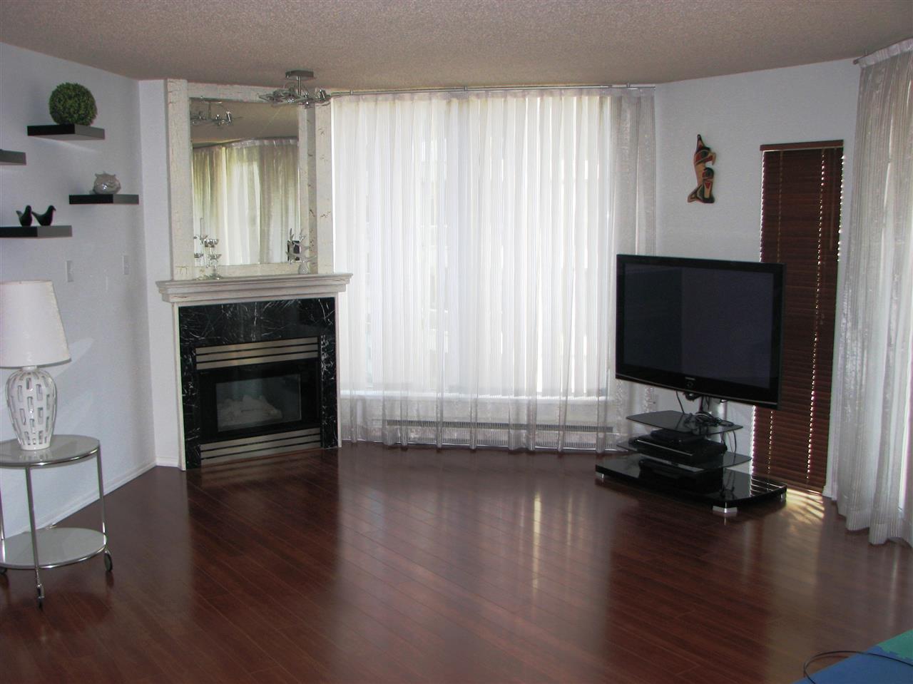 Condo Apartment at 1007 71 JAMIESON COURT, Unit 1007, New Westminster, British Columbia. Image 4