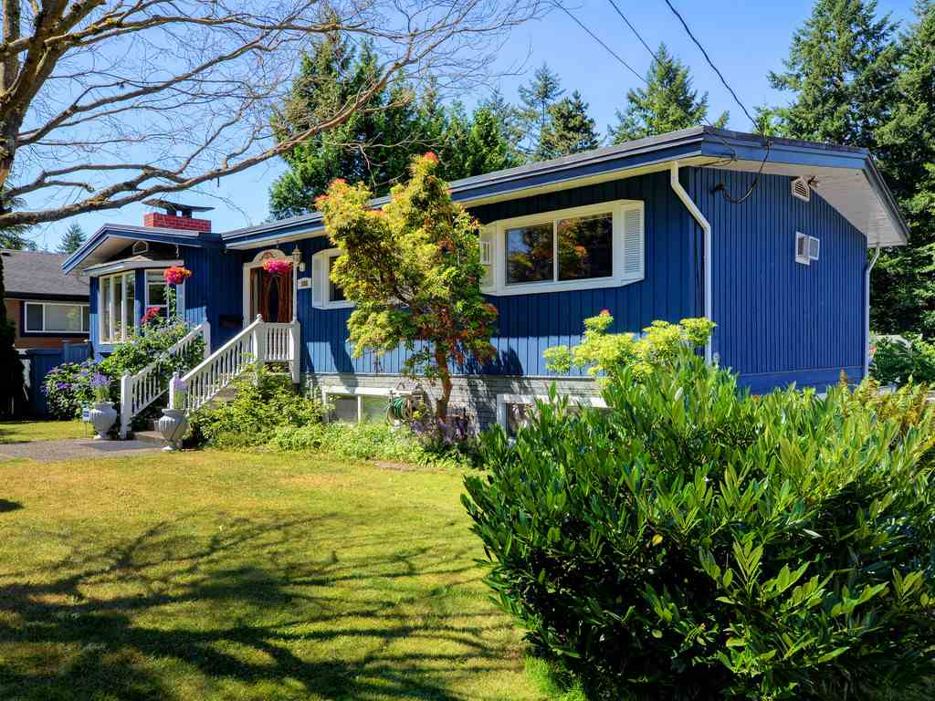 Detached at 588 MIDVALE STREET, Coquitlam, British Columbia. Image 19