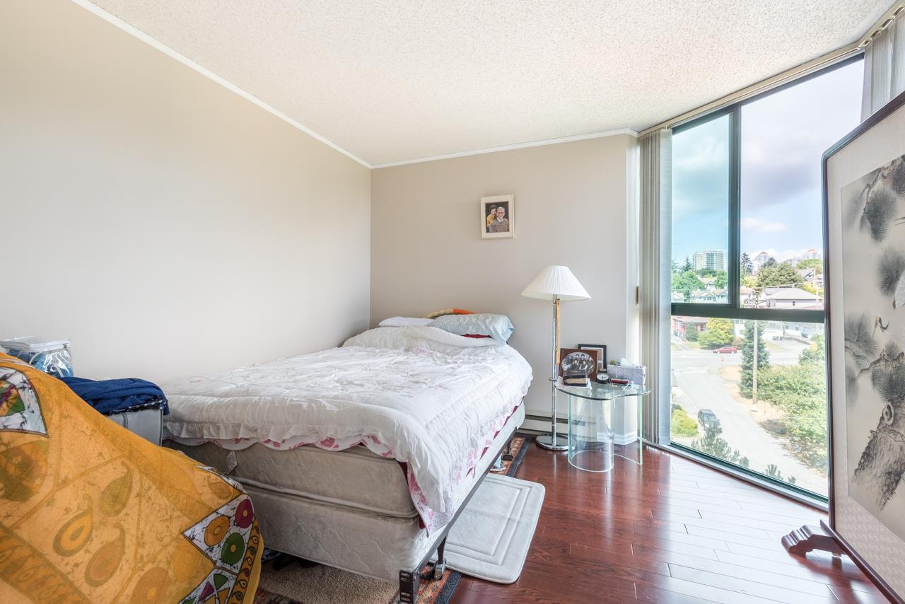 Condo Apartment at 901 121 TENTH STREET, Unit 901, New Westminster, British Columbia. Image 5