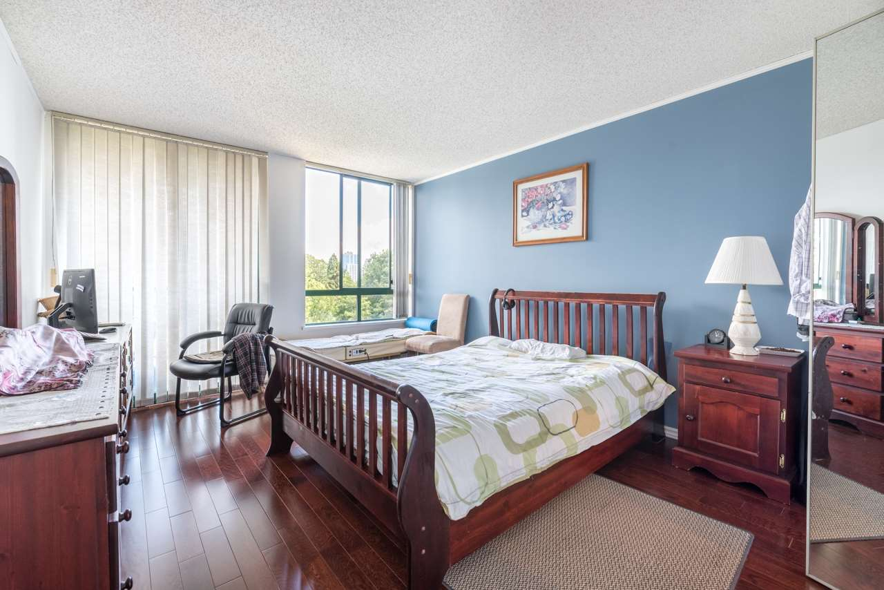 Condo Apartment at 901 121 TENTH STREET, Unit 901, New Westminster, British Columbia. Image 7