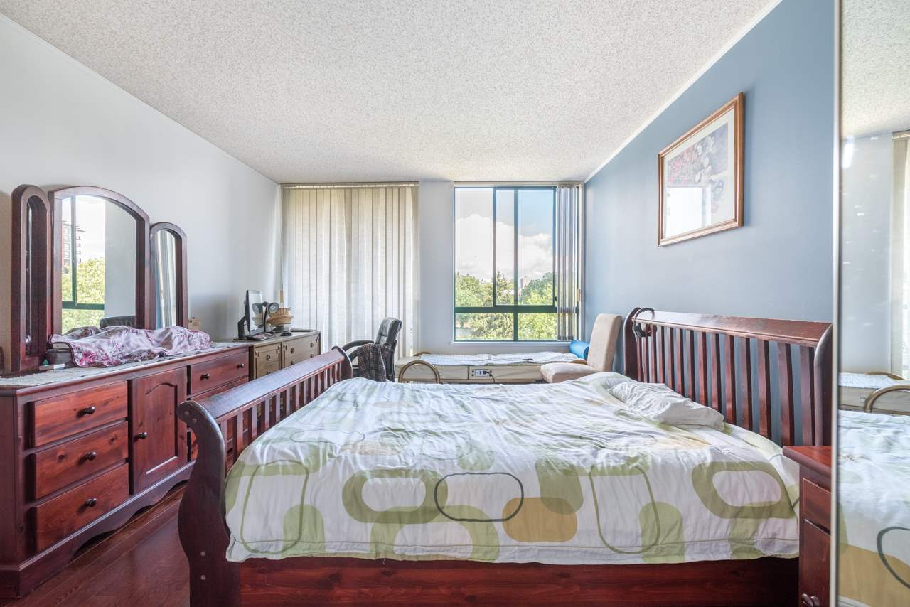 Condo Apartment at 901 121 TENTH STREET, Unit 901, New Westminster, British Columbia. Image 9