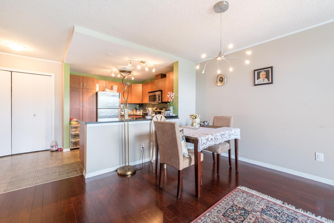 Condo Apartment at 901 121 TENTH STREET, Unit 901, New Westminster, British Columbia. Image 10