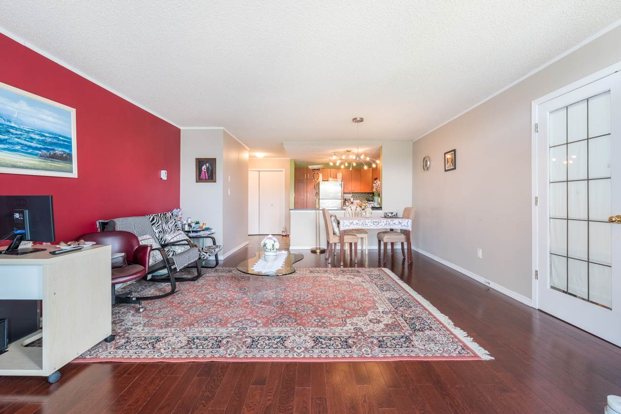 Condo Apartment at 901 121 TENTH STREET, Unit 901, New Westminster, British Columbia. Image 13