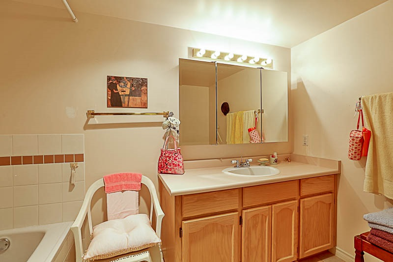 Condo Apartment at 303 45765 SPADINA AVENUE, Unit 303, Chilliwack, British Columbia. Image 16