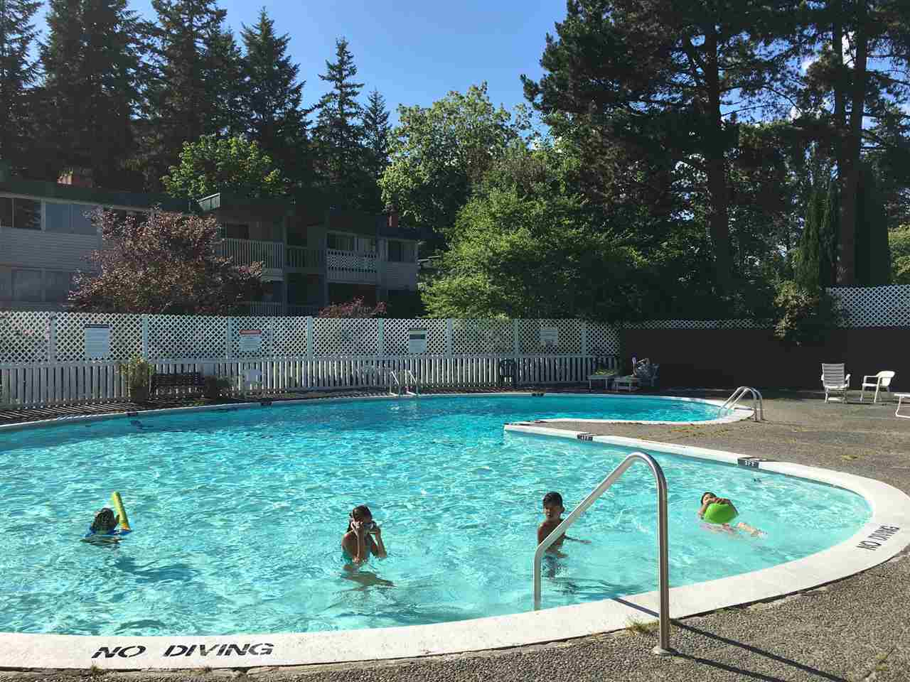 Townhouse at 2673 WESTVIEW DRIVE, North Vancouver, British Columbia. Image 2