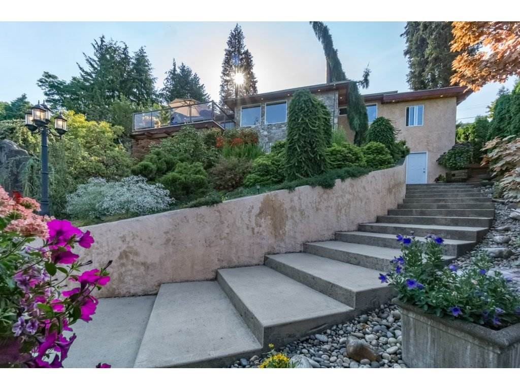 Detached at 7324 BRAESIDE DRIVE, Burnaby North, British Columbia. Image 2