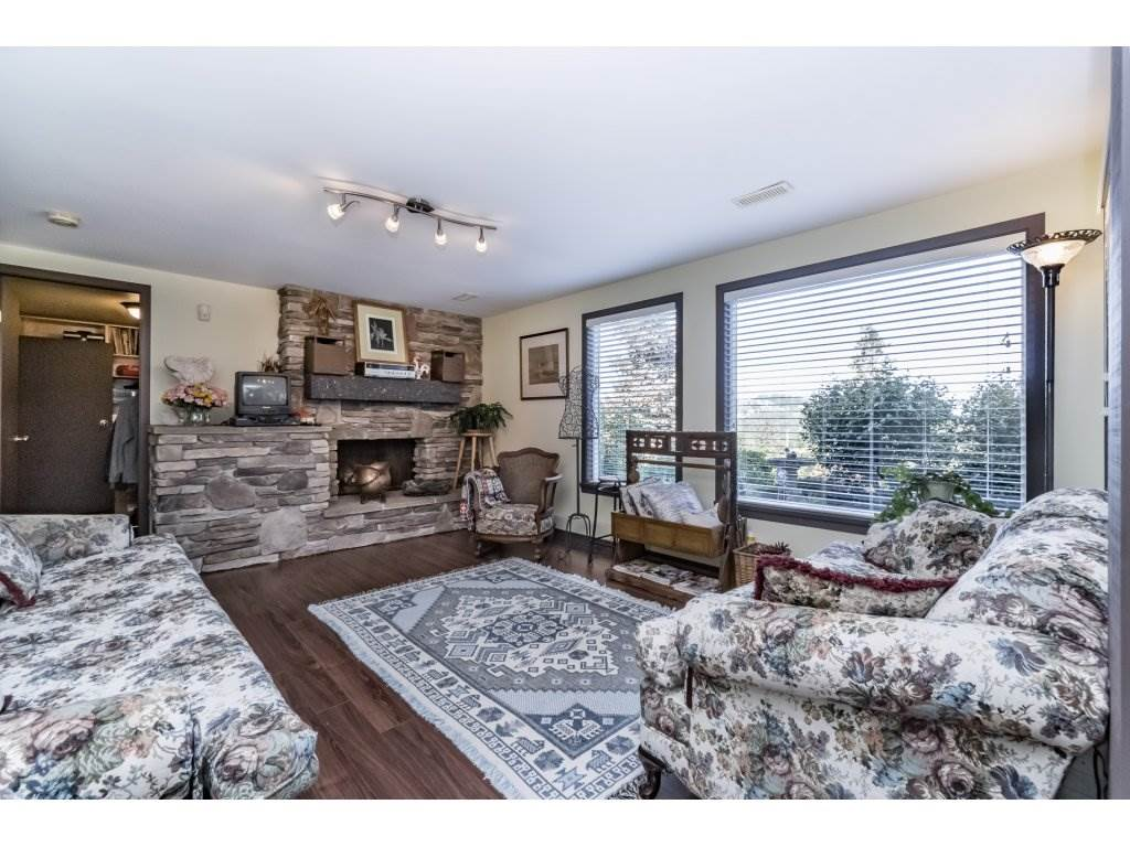 Detached at 7324 BRAESIDE DRIVE, Burnaby North, British Columbia. Image 13