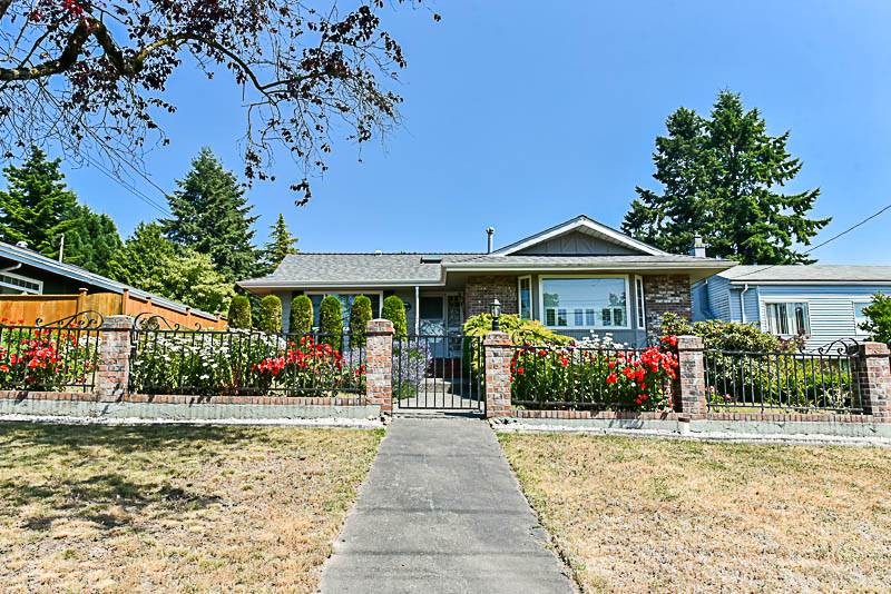 Detached at 6902 PATTERSON AVENUE, Burnaby South, British Columbia. Image 1