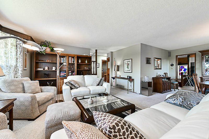 Detached at 6902 PATTERSON AVENUE, Burnaby South, British Columbia. Image 2