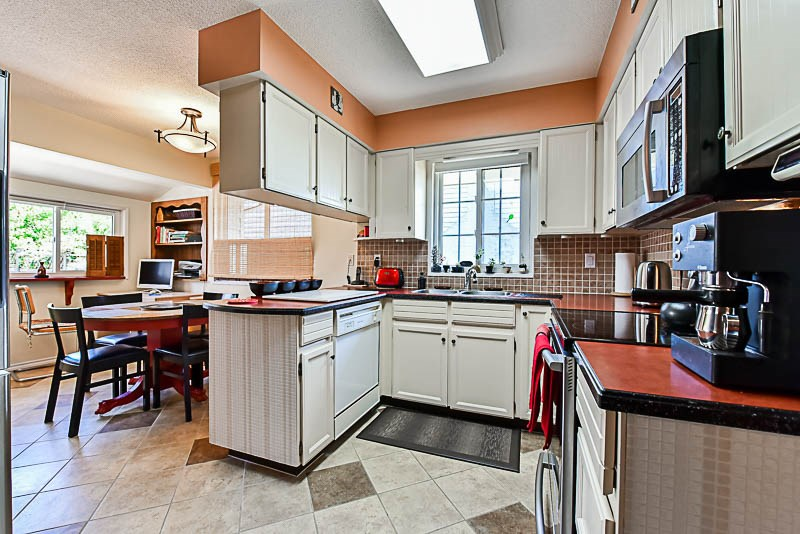 Detached at 6902 PATTERSON AVENUE, Burnaby South, British Columbia. Image 6