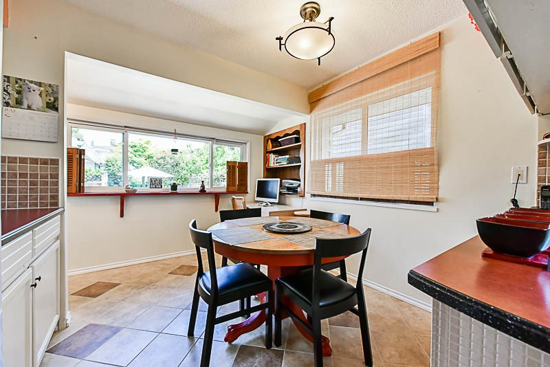 Detached at 6902 PATTERSON AVENUE, Burnaby South, British Columbia. Image 7