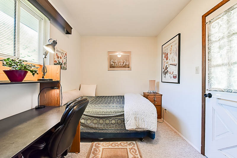 Detached at 6902 PATTERSON AVENUE, Burnaby South, British Columbia. Image 16