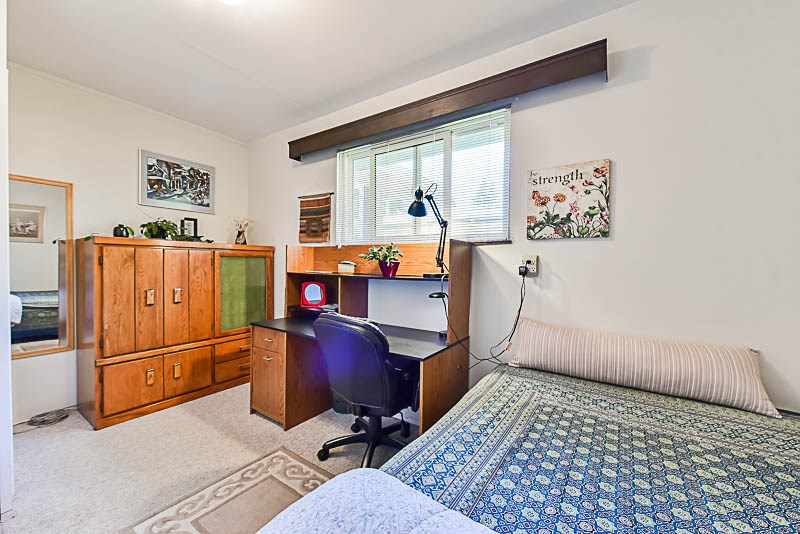 Detached at 6902 PATTERSON AVENUE, Burnaby South, British Columbia. Image 17
