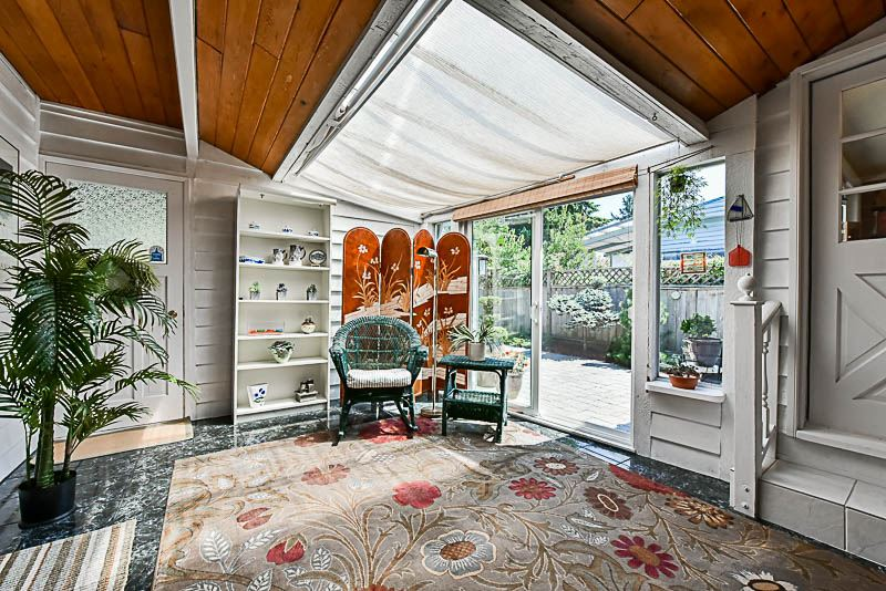 Detached at 6902 PATTERSON AVENUE, Burnaby South, British Columbia. Image 18