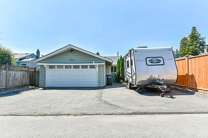 Detached at 6902 PATTERSON AVENUE, Burnaby South, British Columbia. Image 20