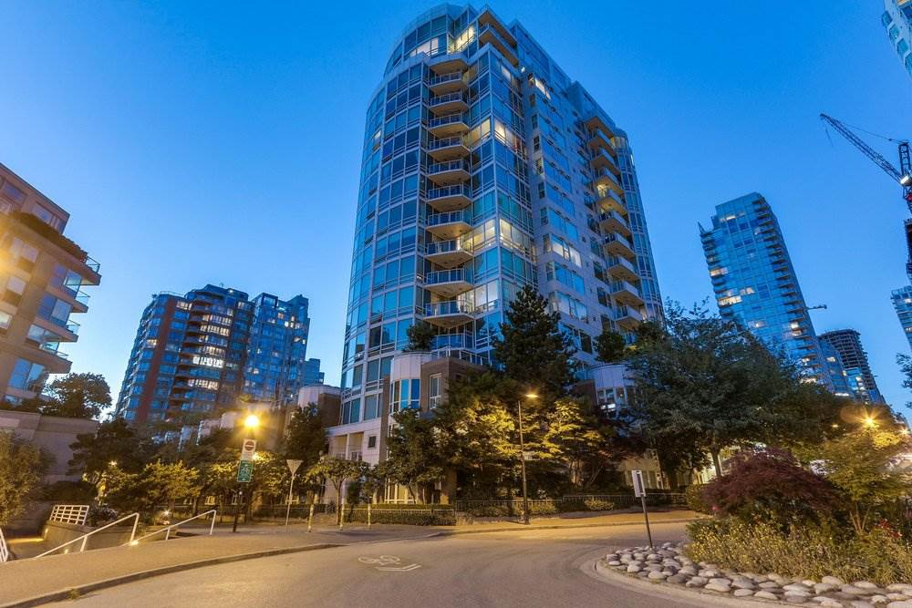 Condo Apartment at 1204 1501 HOWE STREET, Unit 1204, Vancouver West, British Columbia. Image 1