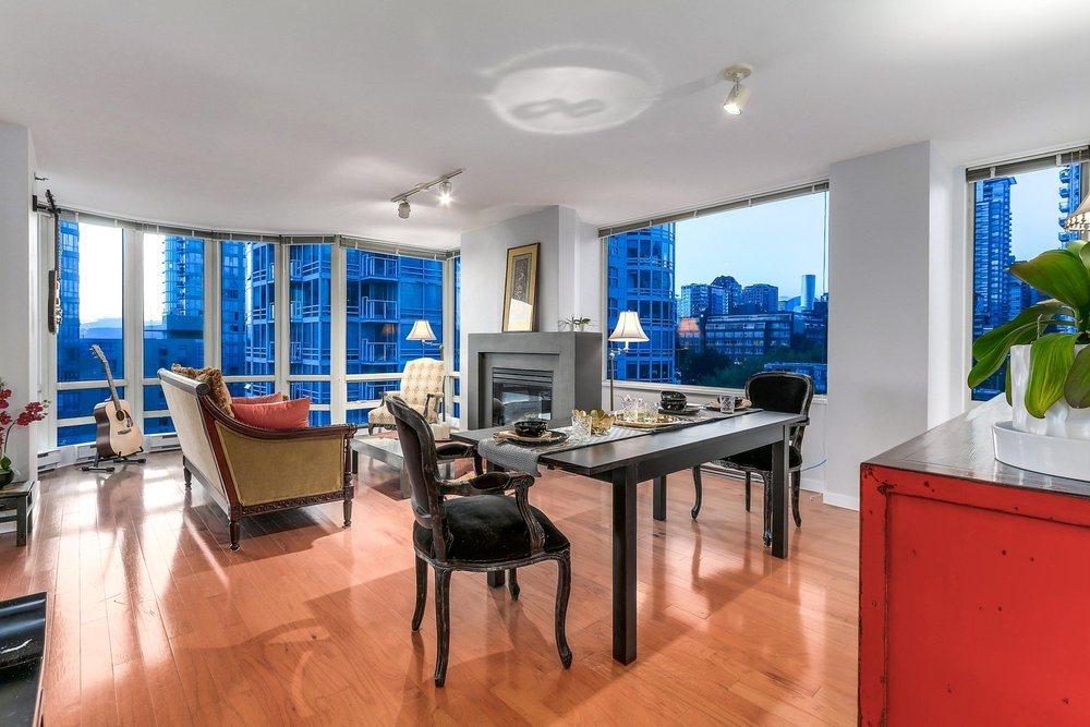 Condo Apartment at 1204 1501 HOWE STREET, Unit 1204, Vancouver West, British Columbia. Image 2