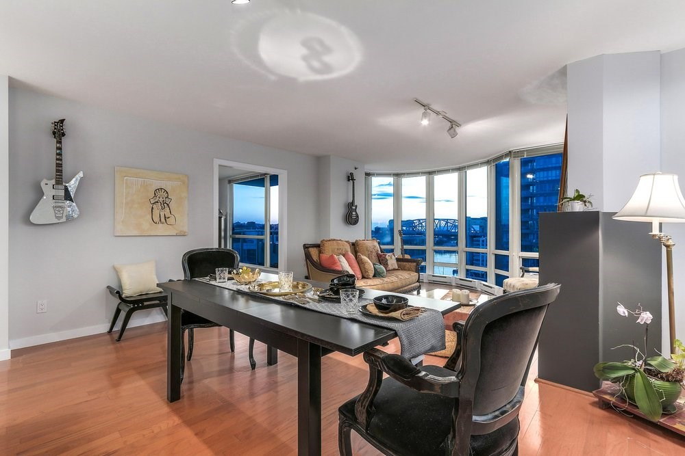 Condo Apartment at 1204 1501 HOWE STREET, Unit 1204, Vancouver West, British Columbia. Image 3