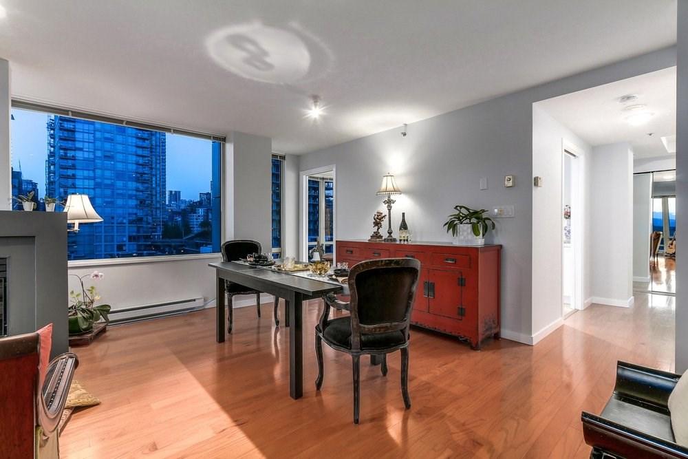 Condo Apartment at 1204 1501 HOWE STREET, Unit 1204, Vancouver West, British Columbia. Image 4