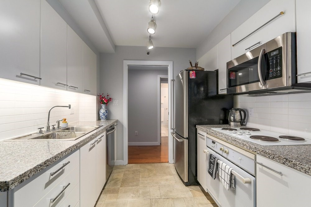 Condo Apartment at 1204 1501 HOWE STREET, Unit 1204, Vancouver West, British Columbia. Image 9