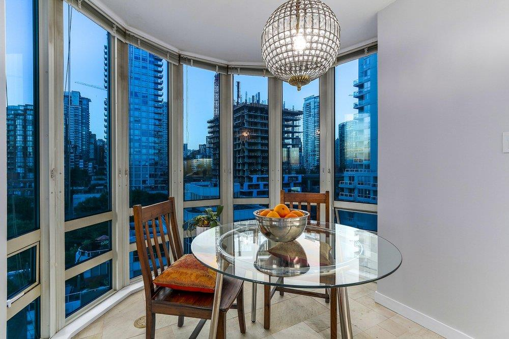 Condo Apartment at 1204 1501 HOWE STREET, Unit 1204, Vancouver West, British Columbia. Image 11