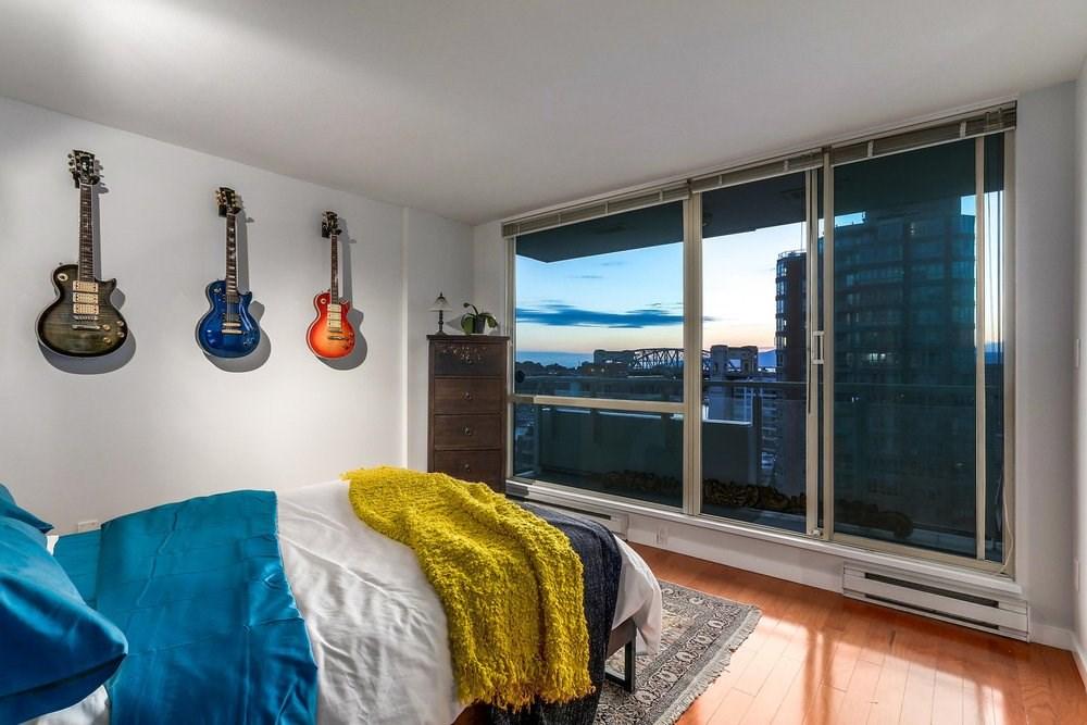 Condo Apartment at 1204 1501 HOWE STREET, Unit 1204, Vancouver West, British Columbia. Image 13