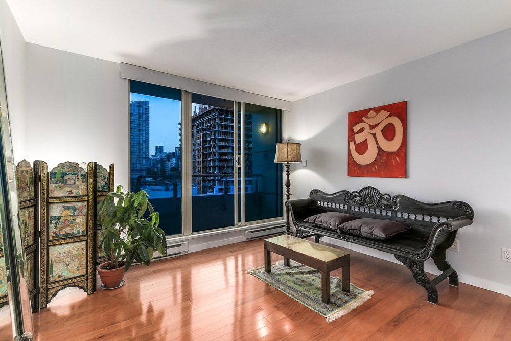 Condo Apartment at 1204 1501 HOWE STREET, Unit 1204, Vancouver West, British Columbia. Image 15