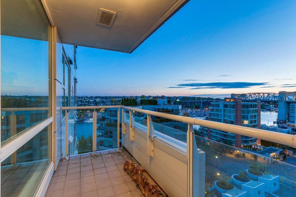 Condo Apartment at 1204 1501 HOWE STREET, Unit 1204, Vancouver West, British Columbia. Image 17