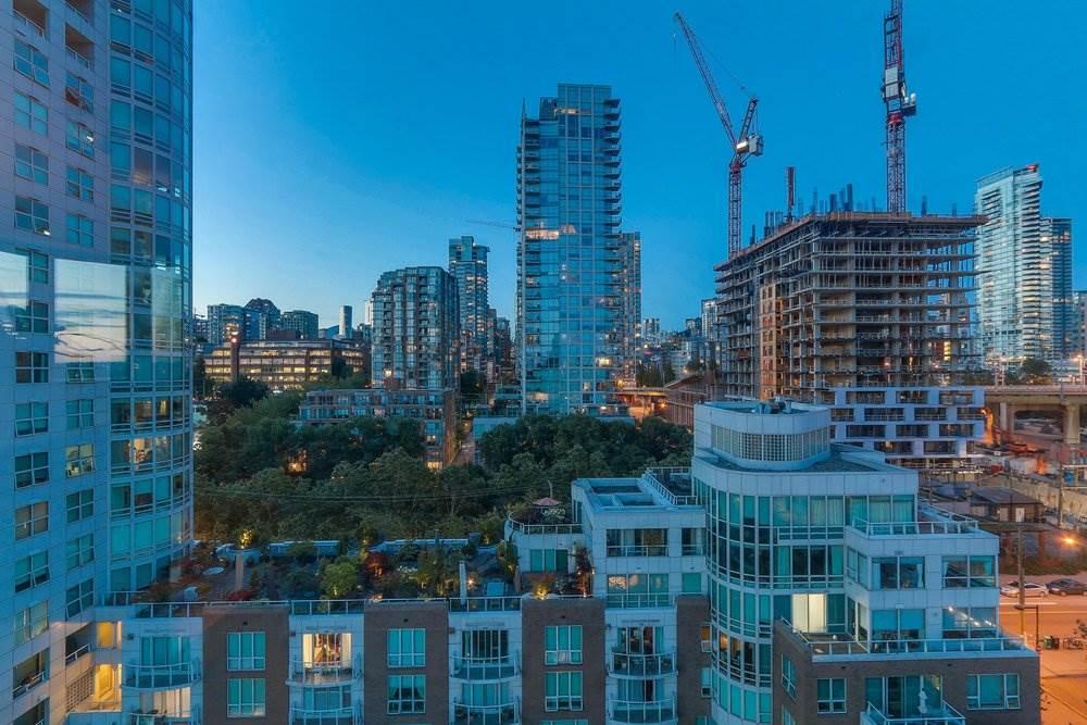 Condo Apartment at 1204 1501 HOWE STREET, Unit 1204, Vancouver West, British Columbia. Image 18