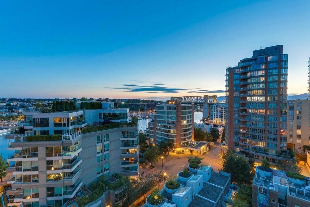 Condo Apartment at 1204 1501 HOWE STREET, Unit 1204, Vancouver West, British Columbia. Image 19