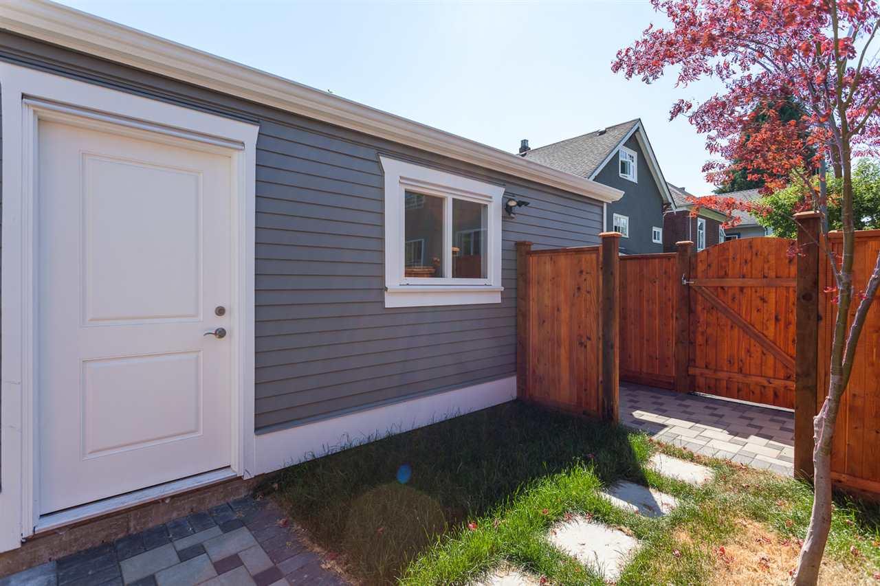 Half-duplex at 3129 VICTORIA DRIVE, Vancouver East, British Columbia. Image 19
