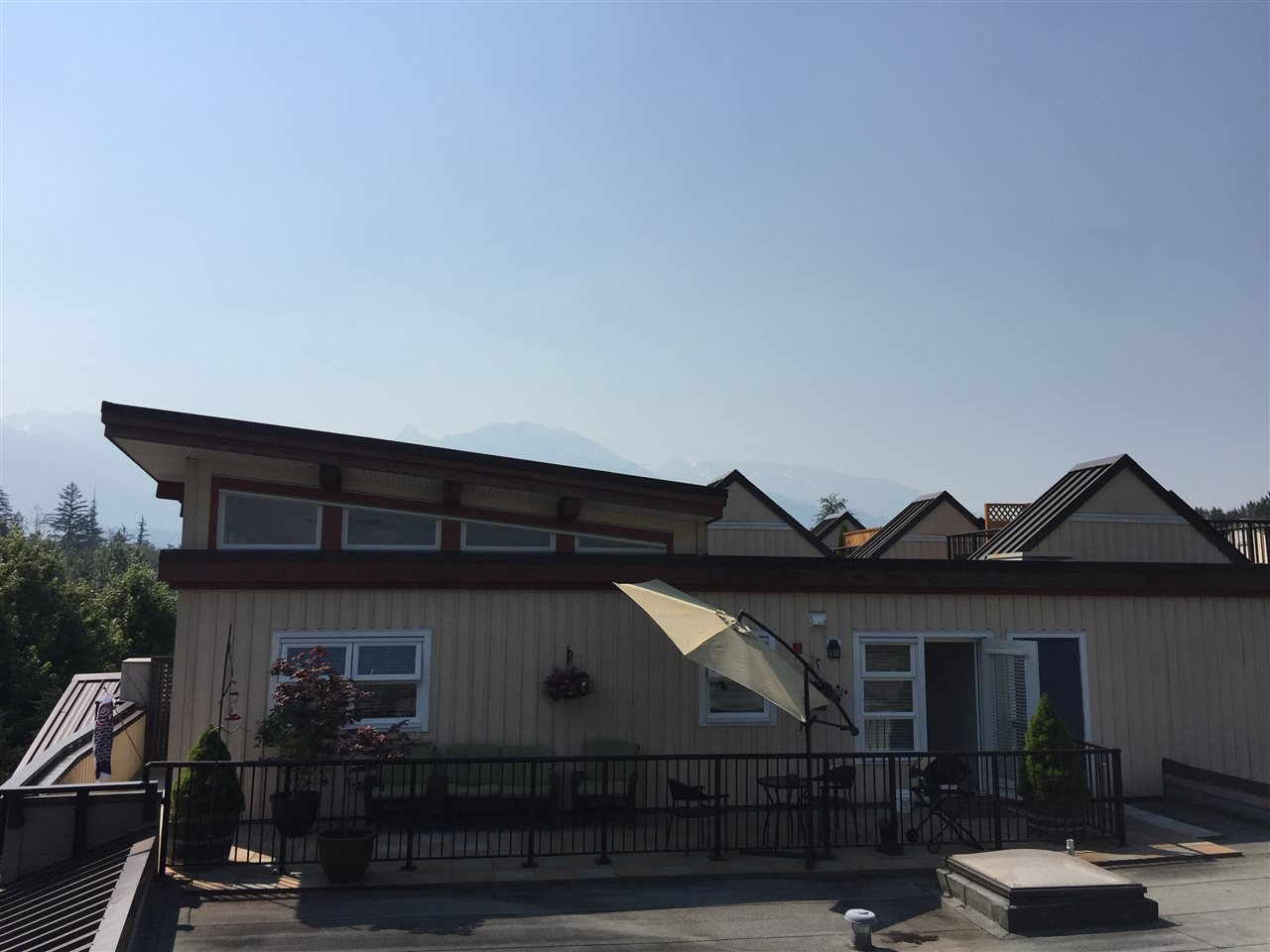Condo Apartment at 324 41105 TANTALUS ROAD, Unit 324, Squamish, British Columbia. Image 2