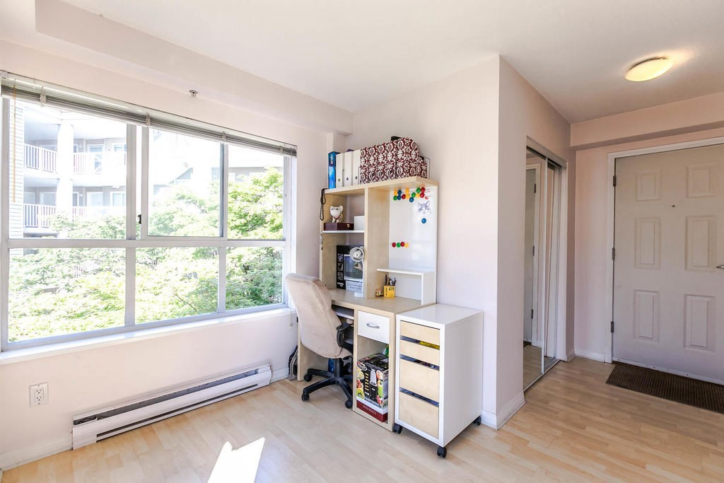 Condo Apartment at 423 528 ROCHESTER AVENUE, Unit 423, Coquitlam, British Columbia. Image 13