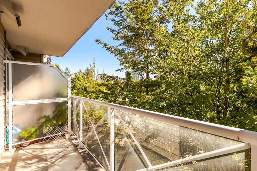 Condo Apartment at 423 528 ROCHESTER AVENUE, Unit 423, Coquitlam, British Columbia. Image 14