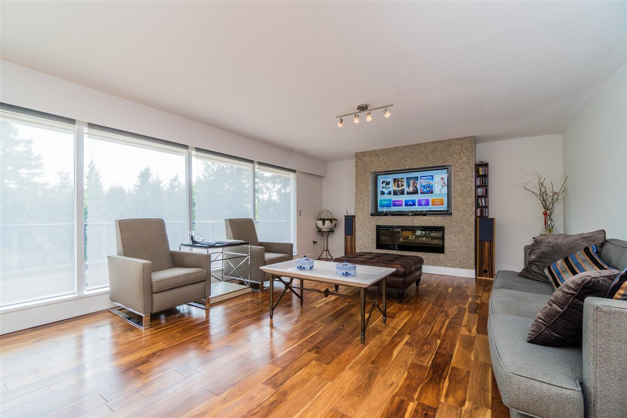 Detached at 4602 WOODGREEN DRIVE, West Vancouver, British Columbia. Image 3