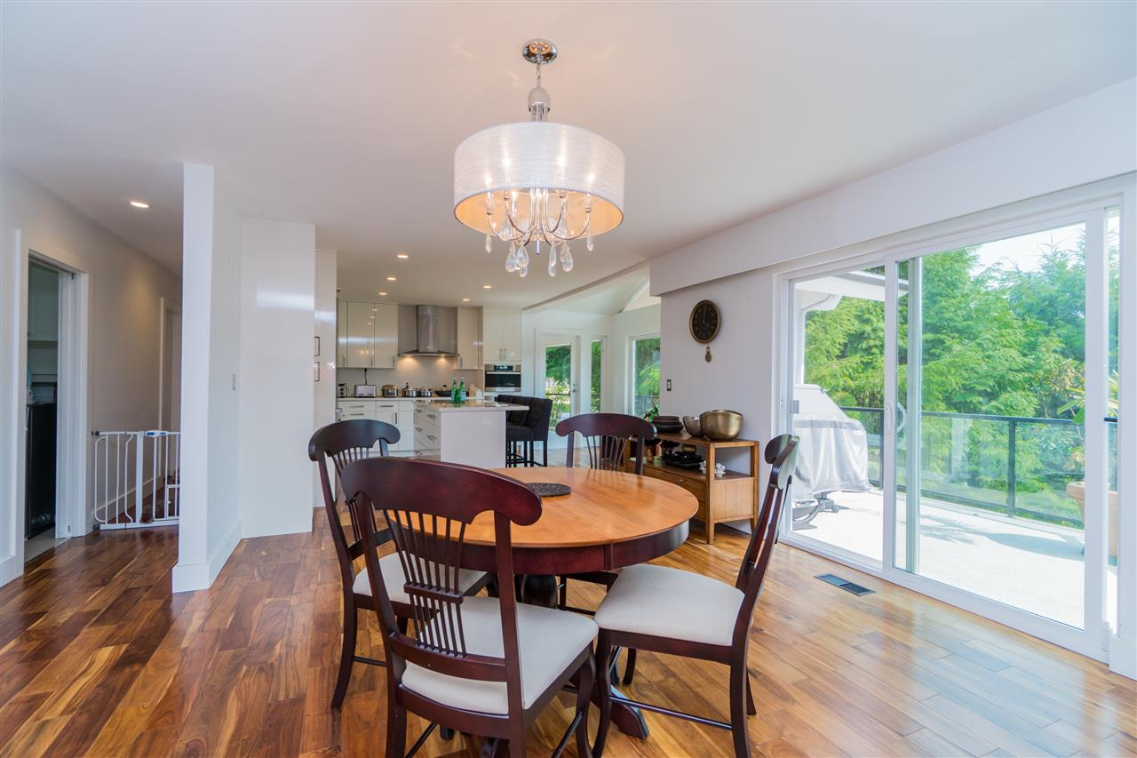 Detached at 4602 WOODGREEN DRIVE, West Vancouver, British Columbia. Image 4
