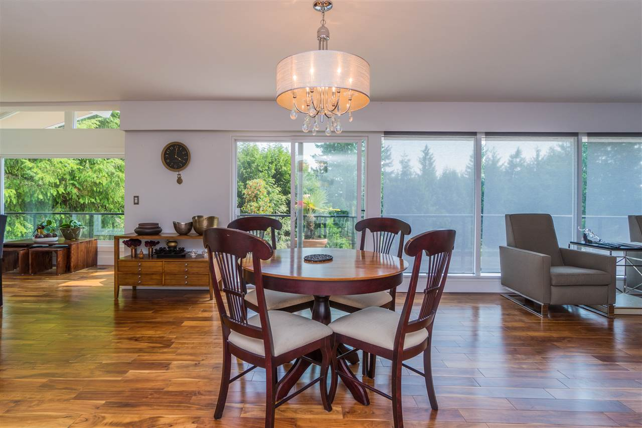 Detached at 4602 WOODGREEN DRIVE, West Vancouver, British Columbia. Image 5
