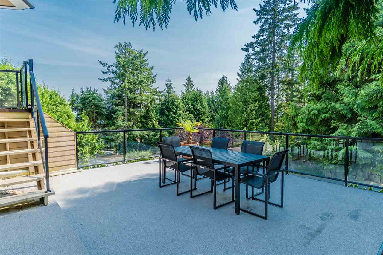 Detached at 4602 WOODGREEN DRIVE, West Vancouver, British Columbia. Image 18