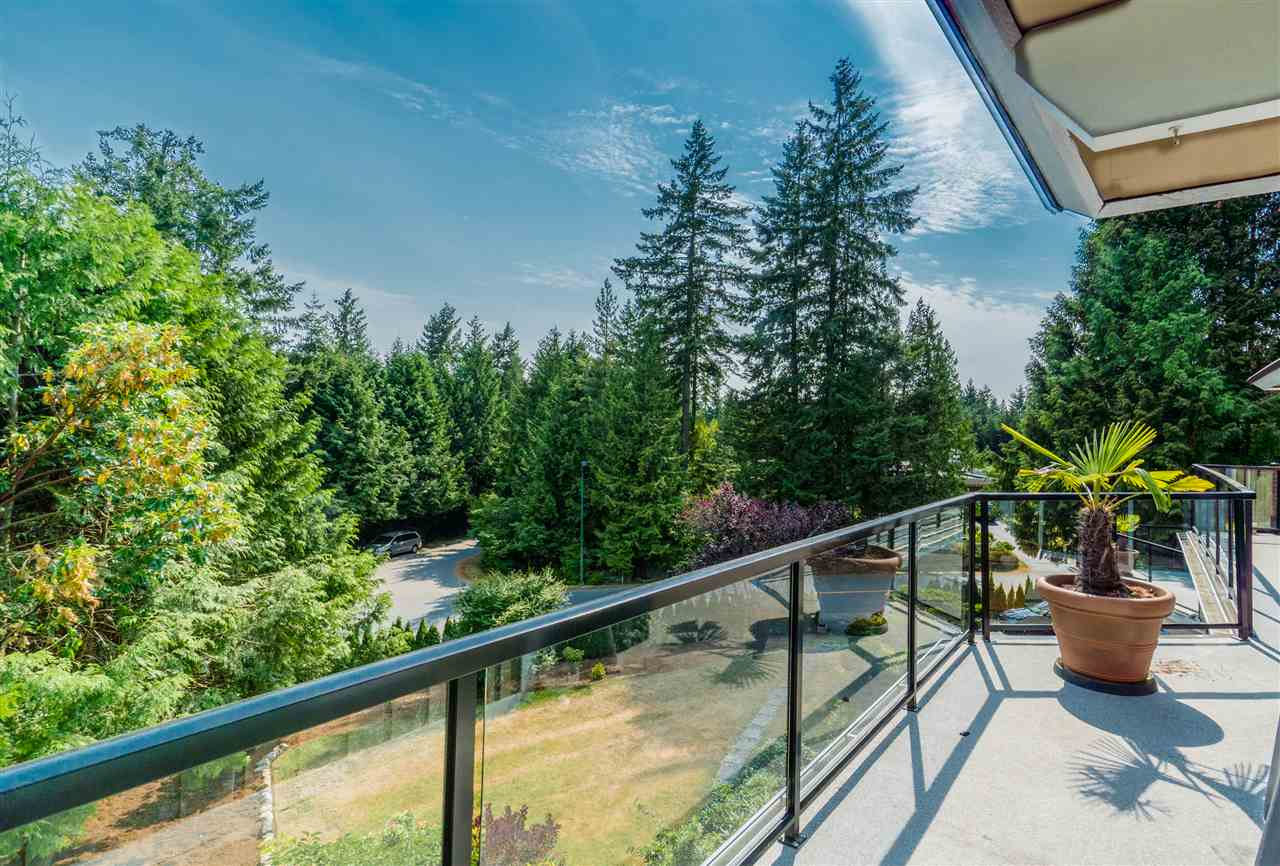 Detached at 4602 WOODGREEN DRIVE, West Vancouver, British Columbia. Image 19