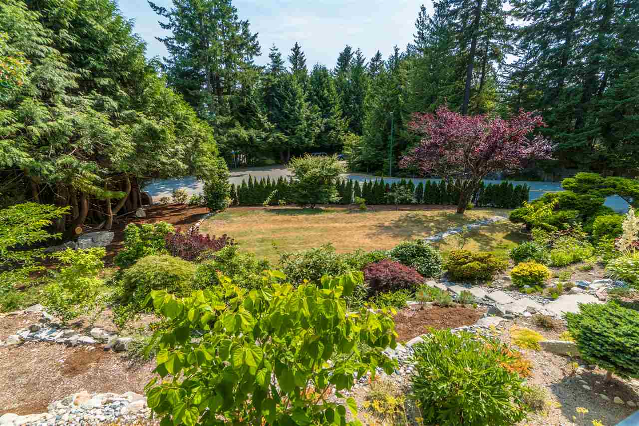 Detached at 4602 WOODGREEN DRIVE, West Vancouver, British Columbia. Image 20