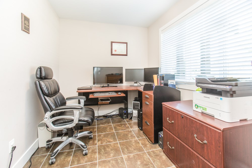 Townhouse at 102 3333 DEWDNEY TRUNK ROAD, Unit 102, Port Moody, British Columbia. Image 3
