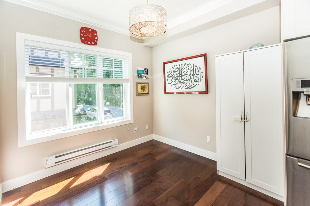 Townhouse at 102 3333 DEWDNEY TRUNK ROAD, Unit 102, Port Moody, British Columbia. Image 7