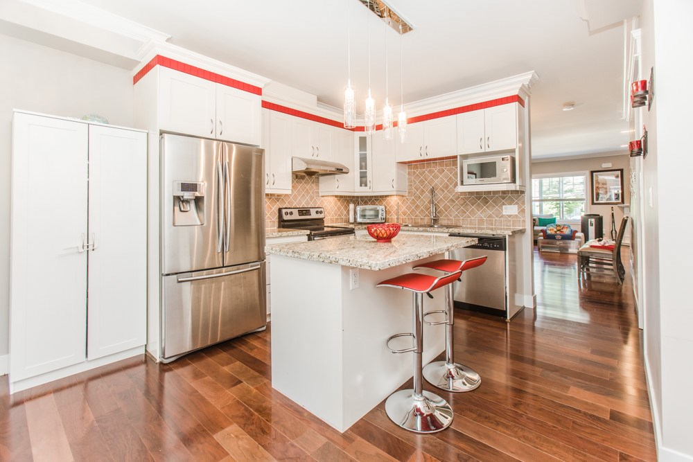 Townhouse at 102 3333 DEWDNEY TRUNK ROAD, Unit 102, Port Moody, British Columbia. Image 8