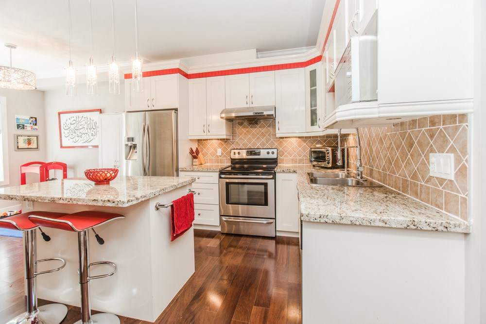 Townhouse at 102 3333 DEWDNEY TRUNK ROAD, Unit 102, Port Moody, British Columbia. Image 9