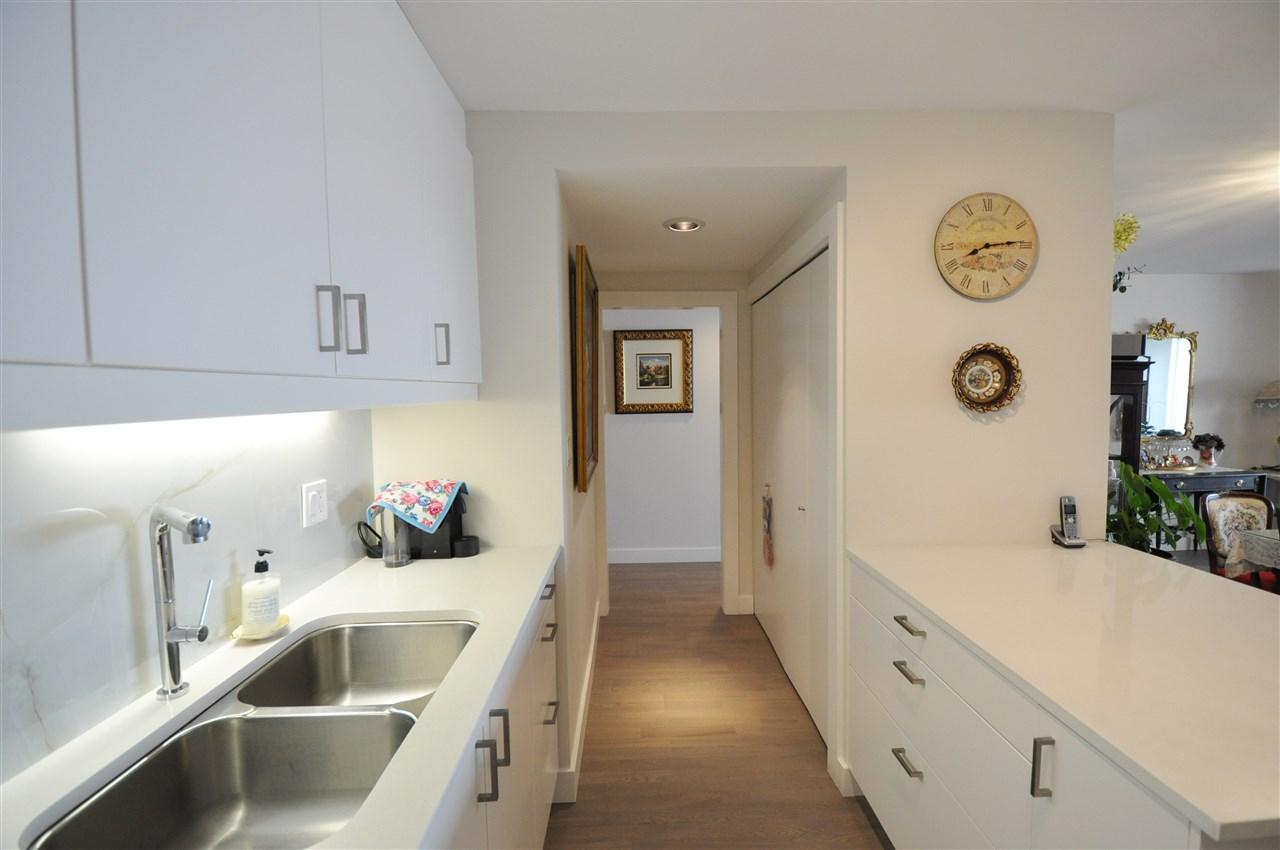 Condo Apartment at 111 2274 FOLKESTONE WAY, Unit 111, West Vancouver, British Columbia. Image 5